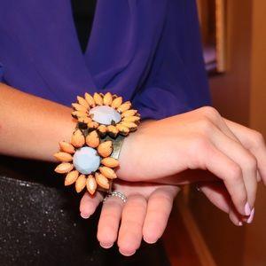 Bracelet floral cuff